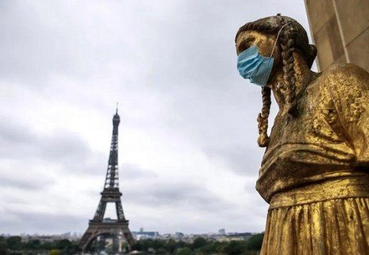 ফ্রান্সে অবৈধ অভিবাসীদের বৈধতা দেয়ার দাবিতে আন্দোলনের ডাক